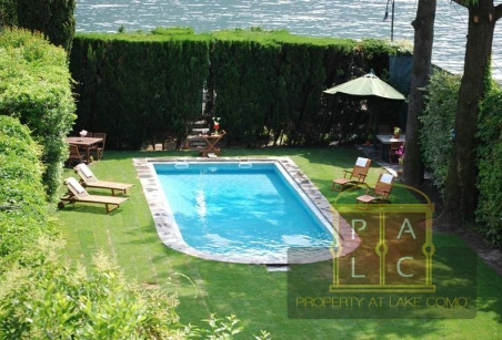 Swimming pool of Villa Voltiana Lake Como Rentals